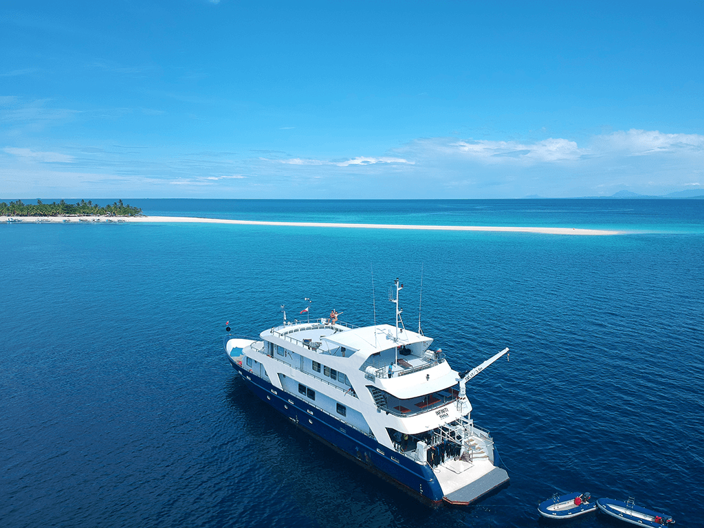 Infiniti Liveaboard vessel
